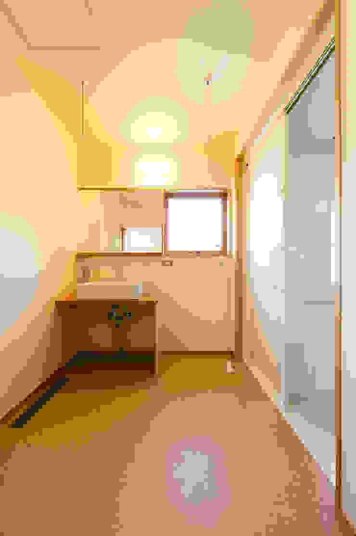 洗面脱衣室(広さ3帖) モダンスタイルの お風呂 の 株式会社山口工務店 モダン