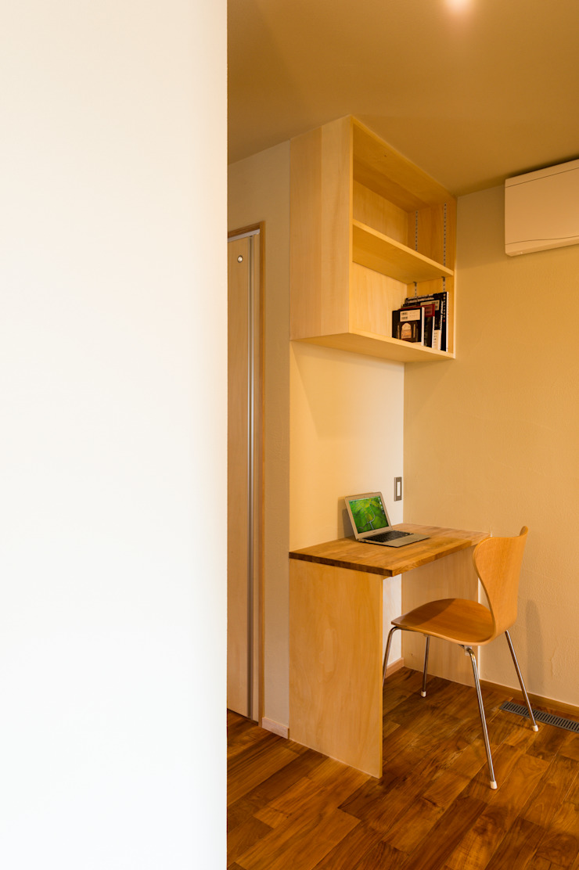 PCコーナー(造り付け) モダンデザインの 多目的室 の 株式会社山口工務店 モダン