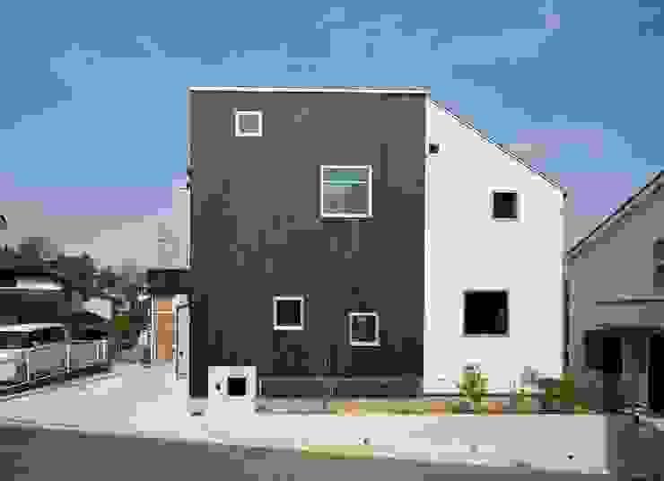 二俣川の家 モダンな 家 の ディンプル建築設計事務所 モダン 木 木目調