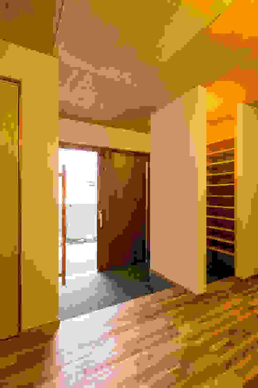玄関 モダンスタイルの 玄関&廊下&階段 の 株式会社山口工務店 モダン