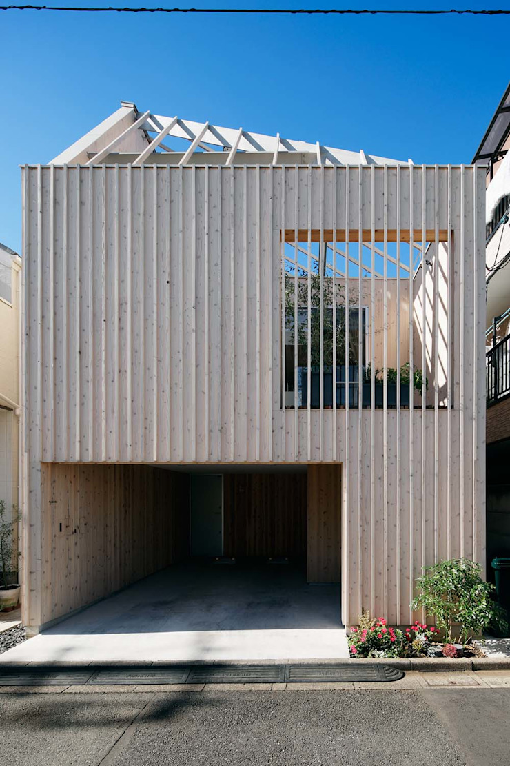 Modern home by ディンプル建築設計事務所 Modern Solid Wood Multicolored