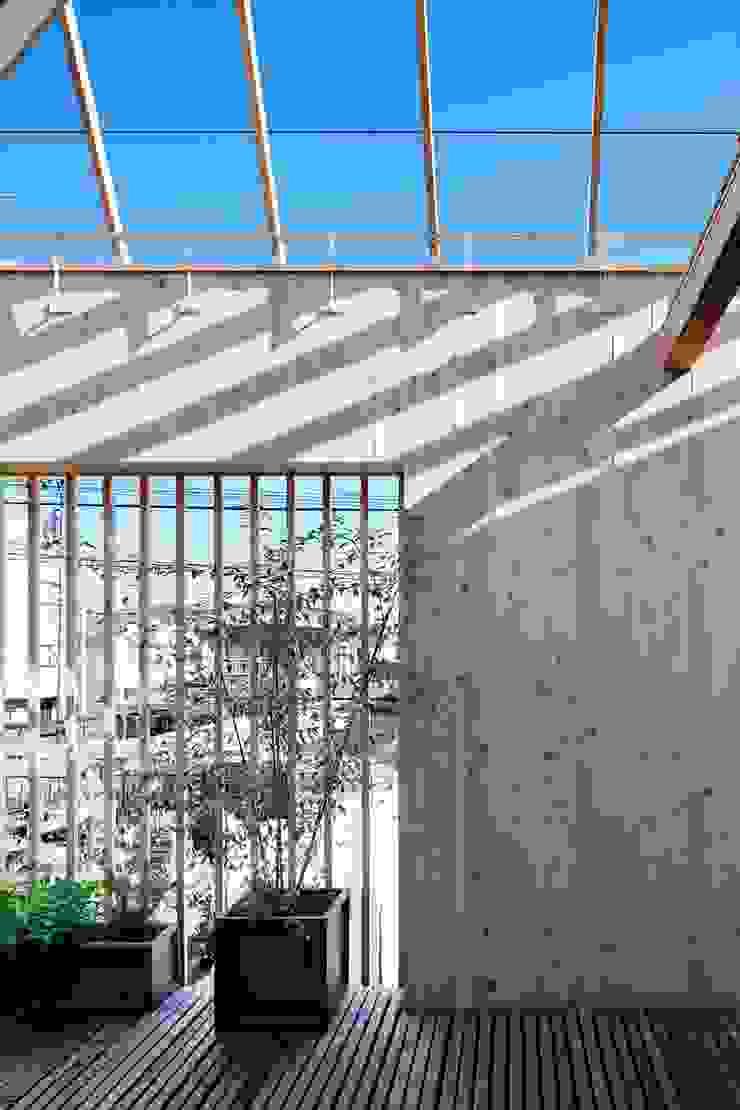 ディンプル建築設計事務所 Terrace Solid Wood Wood effect