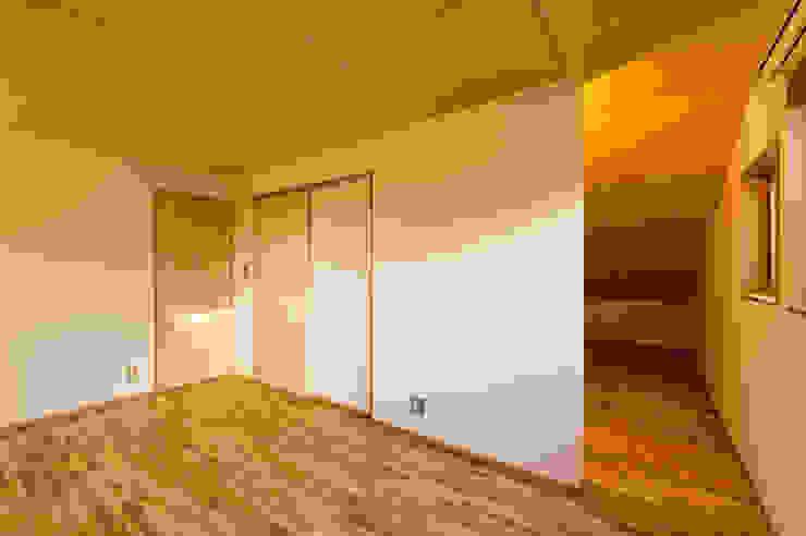 寝室 モダンスタイルの寝室 の 株式会社山口工務店 モダン