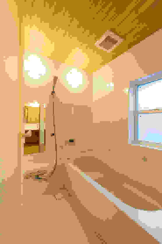 浴室(ハーフユニットバス) モダンスタイルの お風呂 の 株式会社山口工務店 モダン