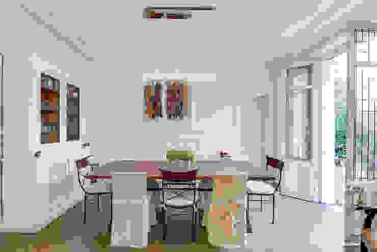 Paris 9 Salle à manger classique par blackStones Classique