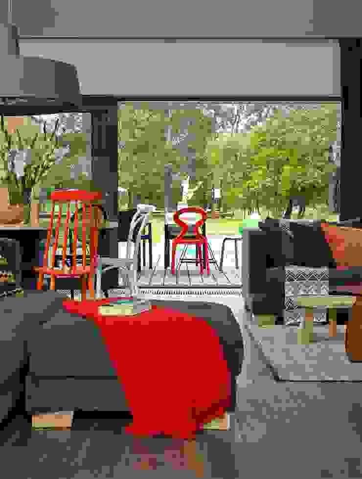 Dom Nowoczesny salon od stando interior design Nowoczesny