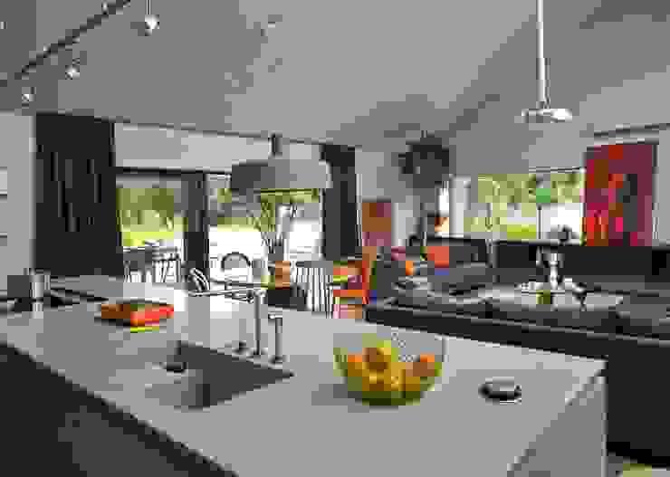 Cozinhas modernas por stando interior design Moderno