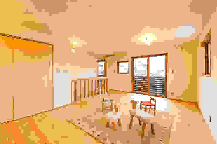 2階子供室(将来間仕切り2室に) 株式会社山口工務店 モダンデザインの 子供部屋