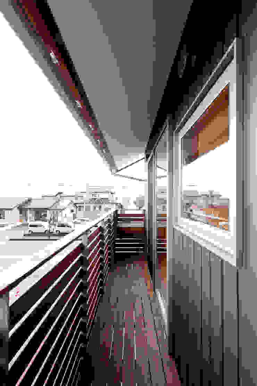 2階バルコニー モダンデザインの テラス の 株式会社山口工務店 モダン
