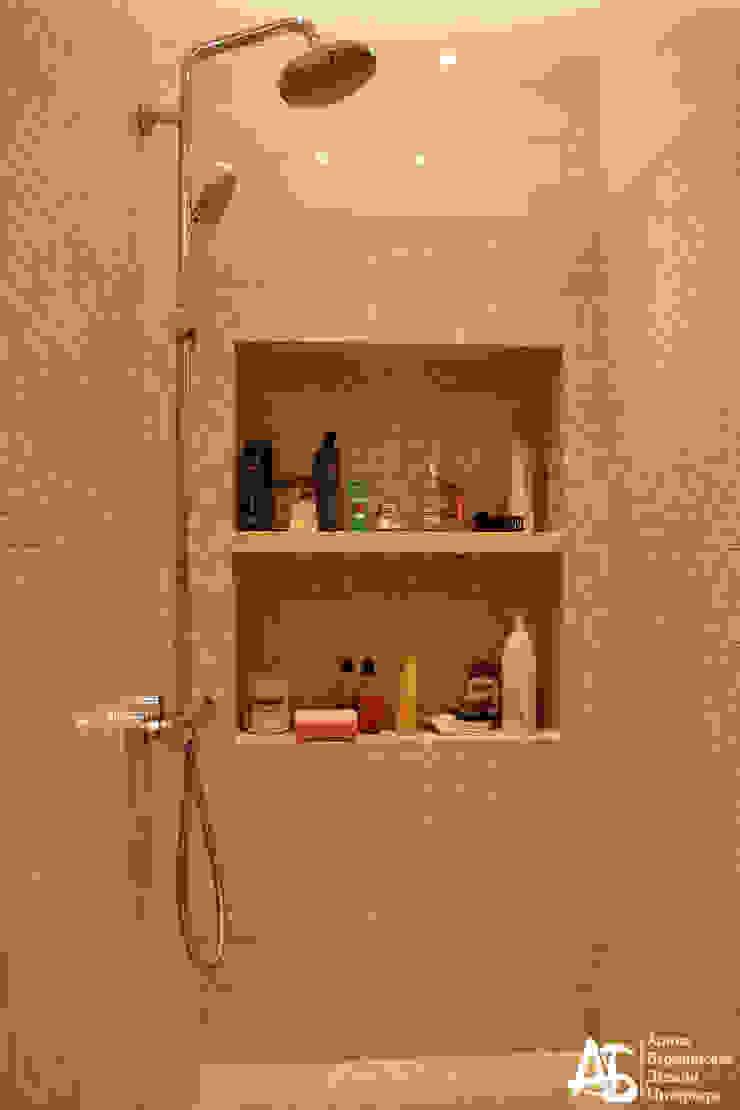 квартира на 120 кв.м в ЖК <q>Французский</q> Ванная комната в стиле модерн от Алина Березинская Модерн