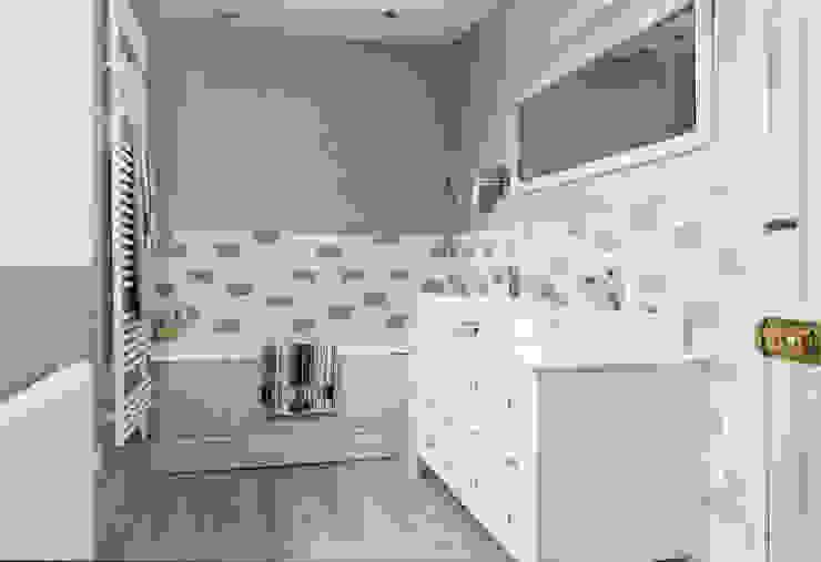 Vanity Unit Klasyczna łazienka od Workshop Interiors Klasyczny