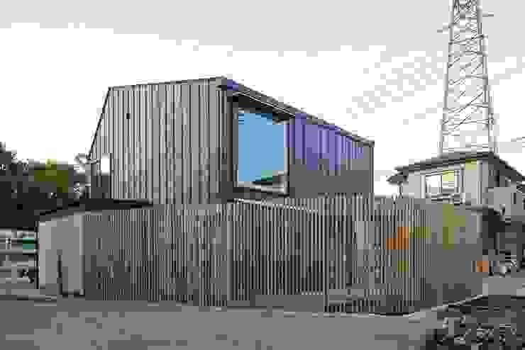 Modern houses by 白砂孝洋建築設計事務所 Modern