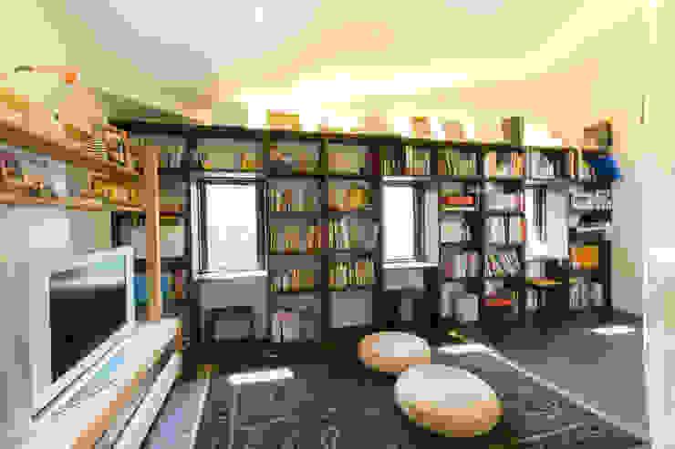 別所本町の家 モダンデザインの 多目的室 の 株式会社 atelier waon モダン