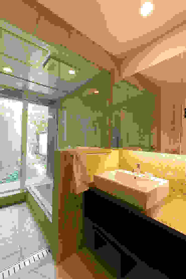別所本町の家 モダンスタイルの お風呂 の 株式会社 atelier waon モダン