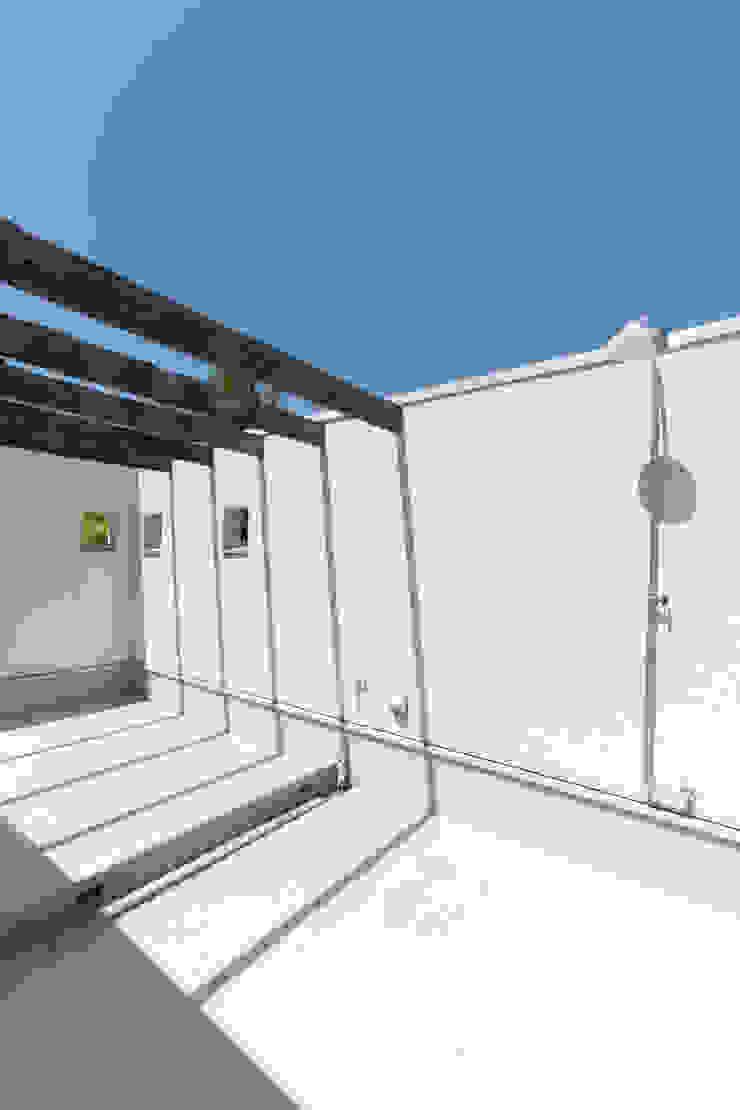 別所本町の家 モダンデザインの テラス の 株式会社 atelier waon モダン