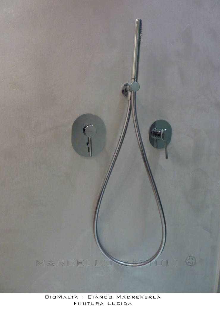 Marcello Gavioli Minimalist style bathrooms Metallic/Silver