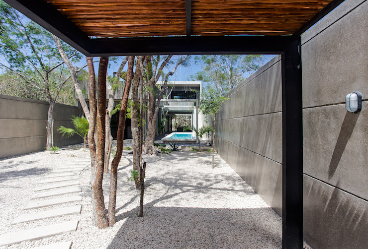 Modern houses by Studio Arquitectos Modern