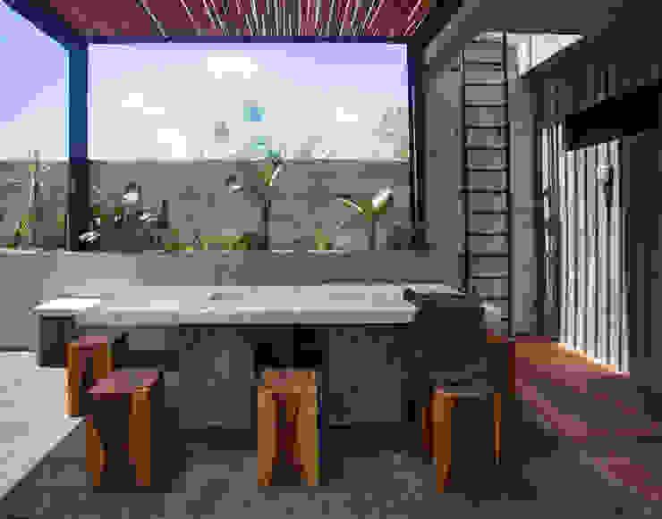 Salon moderne par Studio Arquitectos Moderne