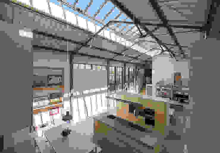 The Workshop Modern kitchen by Henning Stummel Architects Ltd Modern