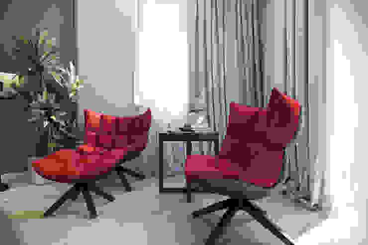 Трехкомнатная квартра в г.Новосибирск Гостиные в эклектичном стиле от Design Studio Details Эклектичный