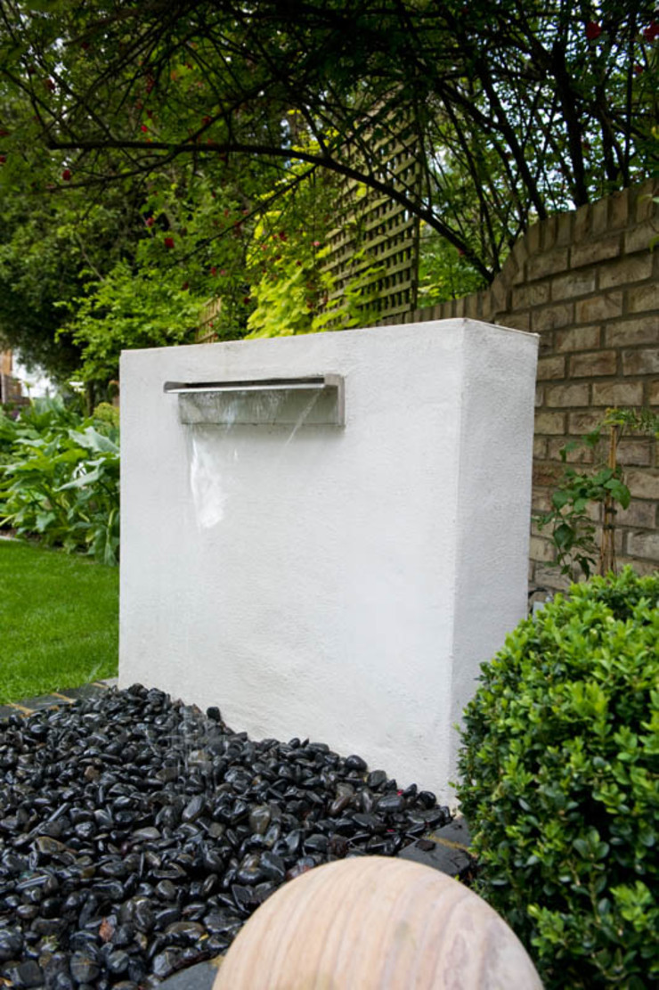Waterblade Feature Modern garden by Earth Designs Modern Stone