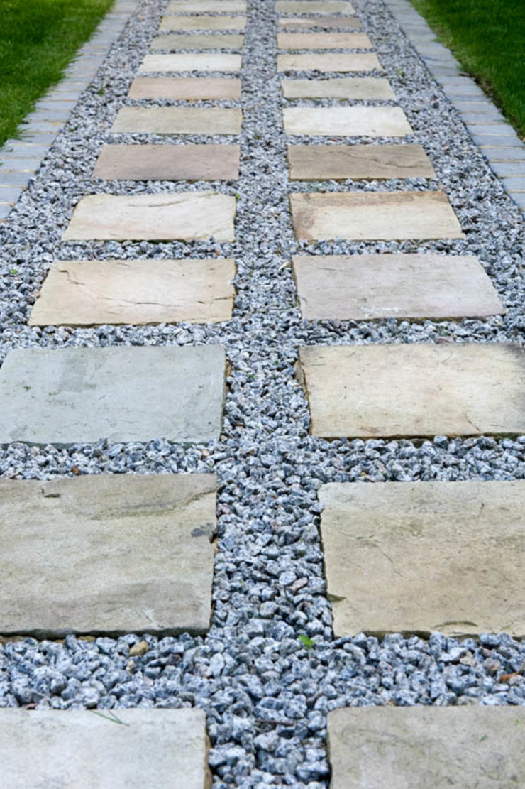 Sandstone & Aggregate Path Modern garden by Earth Designs Modern Sandstone