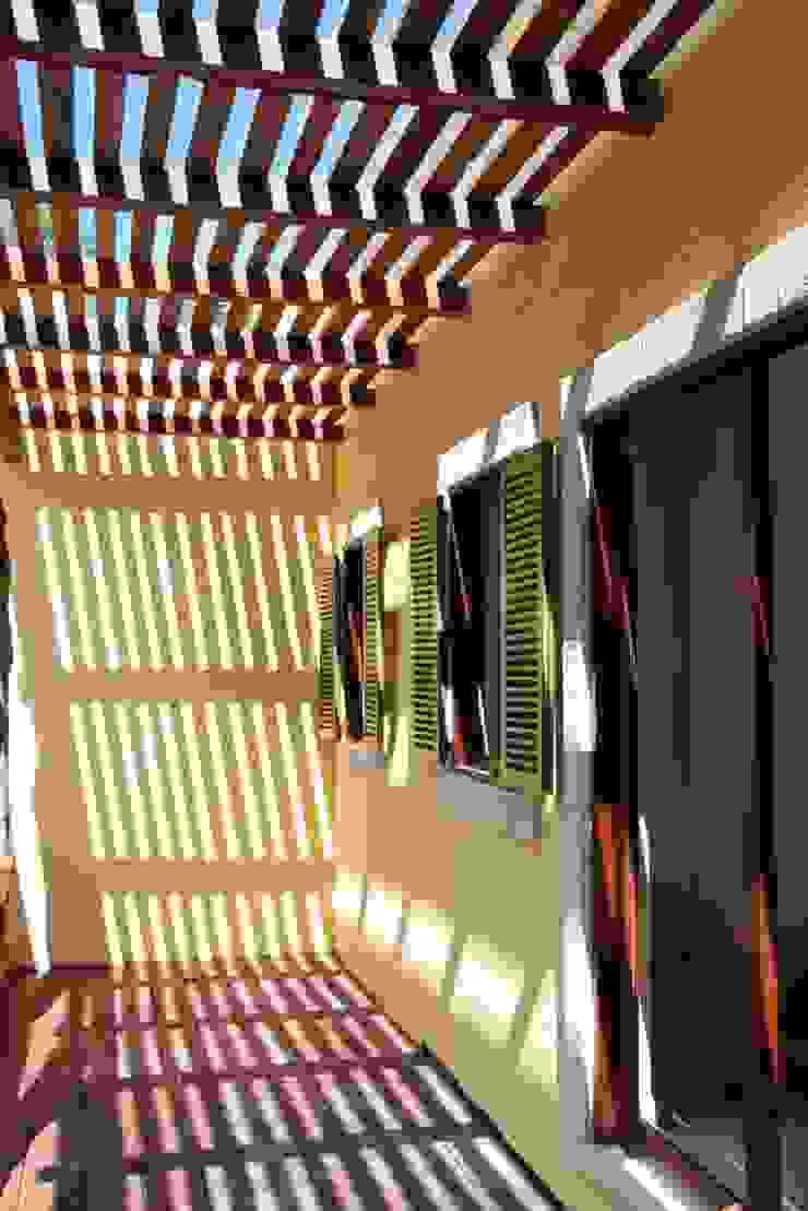 Casa Baya Casas modernas de IURO Moderno