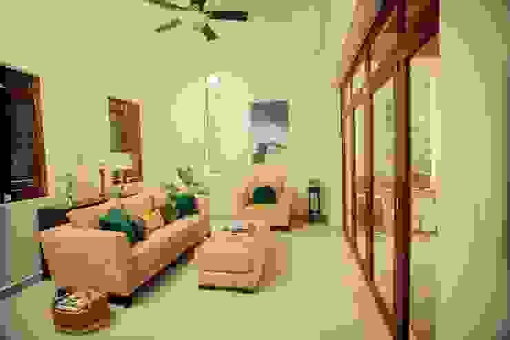 Casa Baya Salones modernos de IURO Moderno