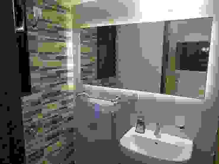 Salle de bain rustique par Nuvo Designs Rustique