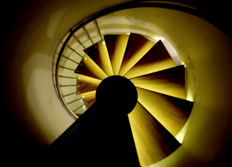Rajeev Sapre Residence Modern corridor, hallway & stairs by Nuvo Designs Modern