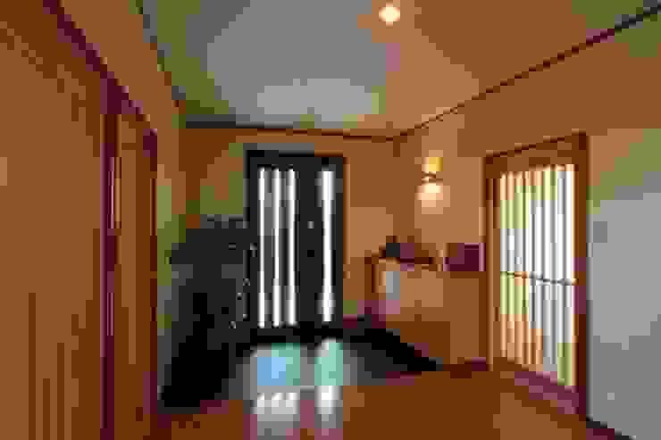 市川市O邸 モダンスタイルの 玄関&廊下&階段 の k-endo モダン 木 木目調