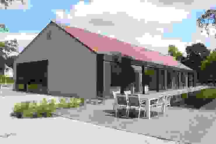 Tiendenschuur Van Mol Moderne balkons, veranda's en terrassen van metamorfos.architecten bvba Modern