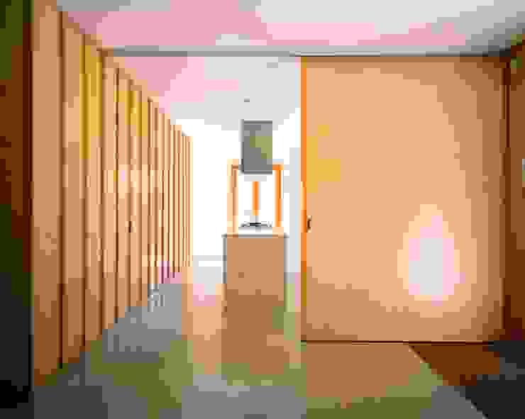 Casa HDM Cozinhas modernas por SAMF Arquitectos Moderno Madeira Acabamento em madeira