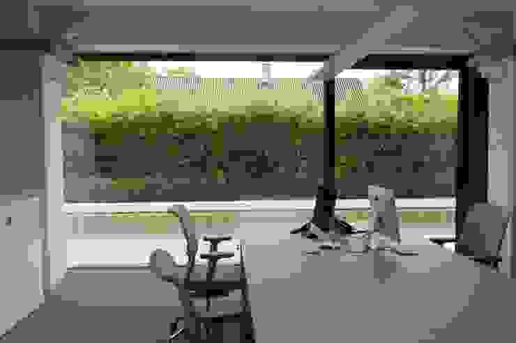 Tiendenschuur Van Mol Moderne studeerkamer van metamorfos.architecten bvba Modern