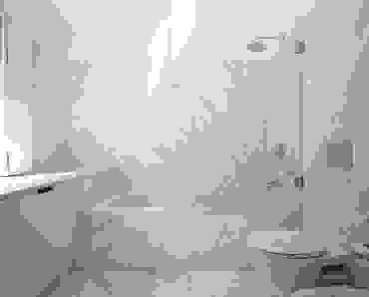 HDM House Modern bathroom by SAMF Arquitectos Modern Marble