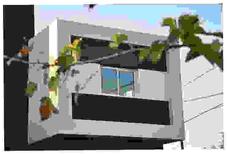 Casa B° Juramento Luis F. Macedo Casas modernas: Ideas, imágenes y decoración