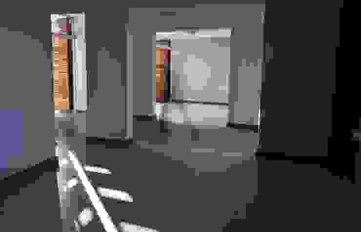 Casa B° Juramento Luis F. Macedo Livings modernos: Ideas, imágenes y decoración