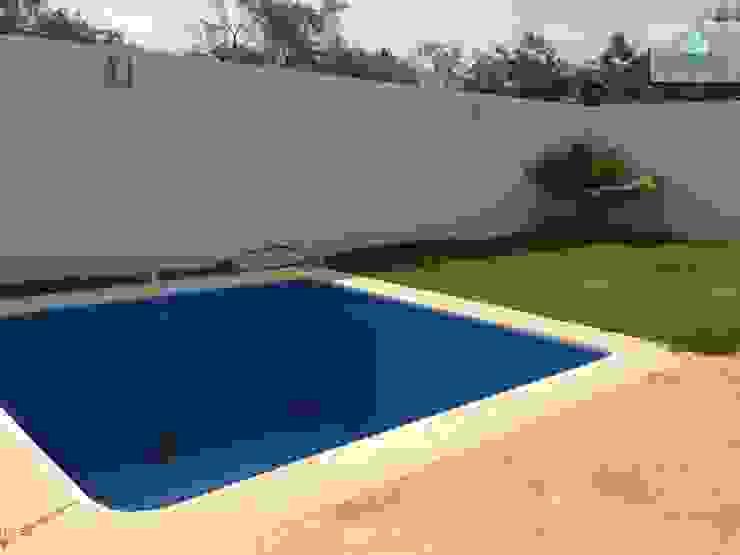 Modern Pool by LEYCAZA SA DE CV Modern