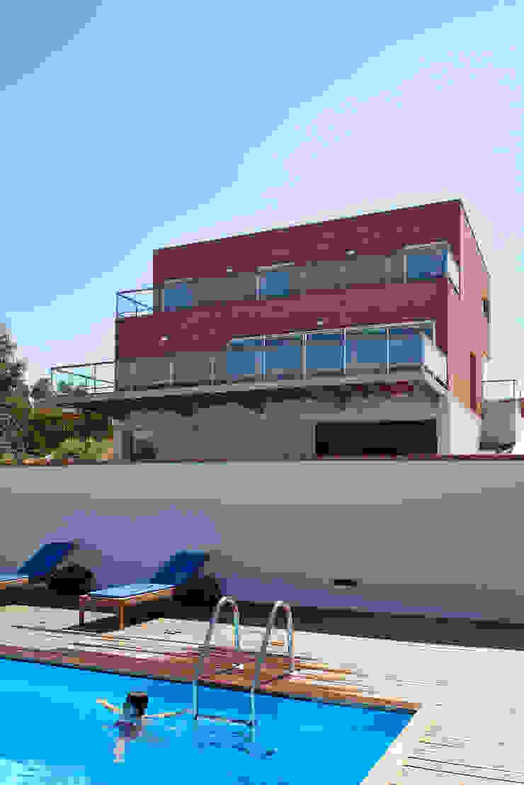Casa Pinhal Verde Casas modernas por SAMF Arquitectos Moderno Tijolo