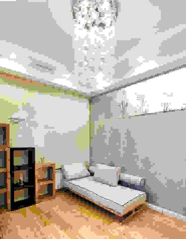 Интерьер квартиры в современном стиле Рабочий кабинет в эклектичном стиле от Antica Style Эклектичный Бумага