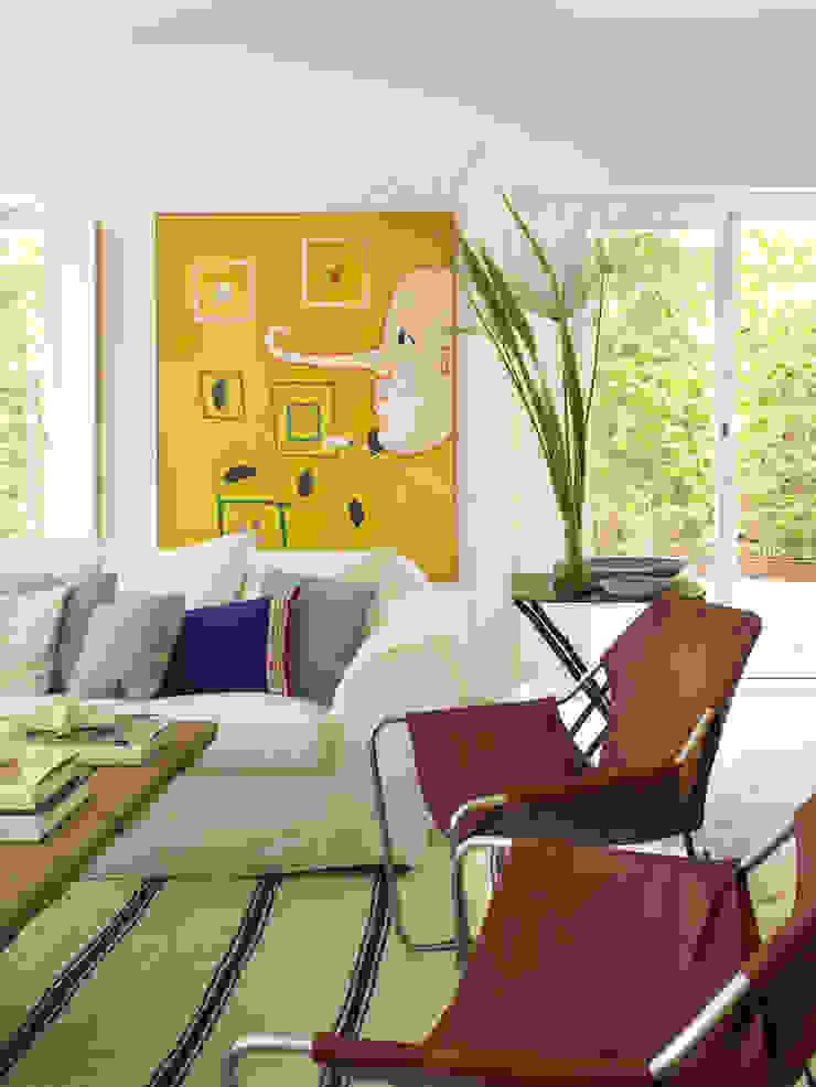 Modern living room by Melian Randolph Modern