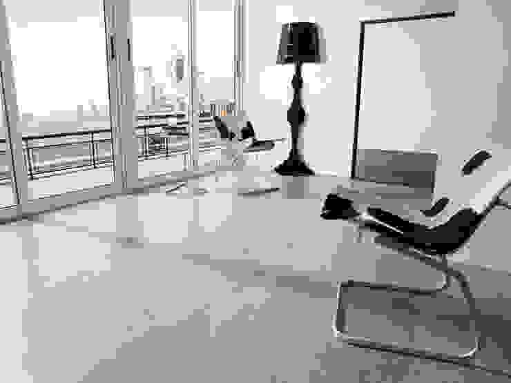 Modern walls & floors by Skema Modern