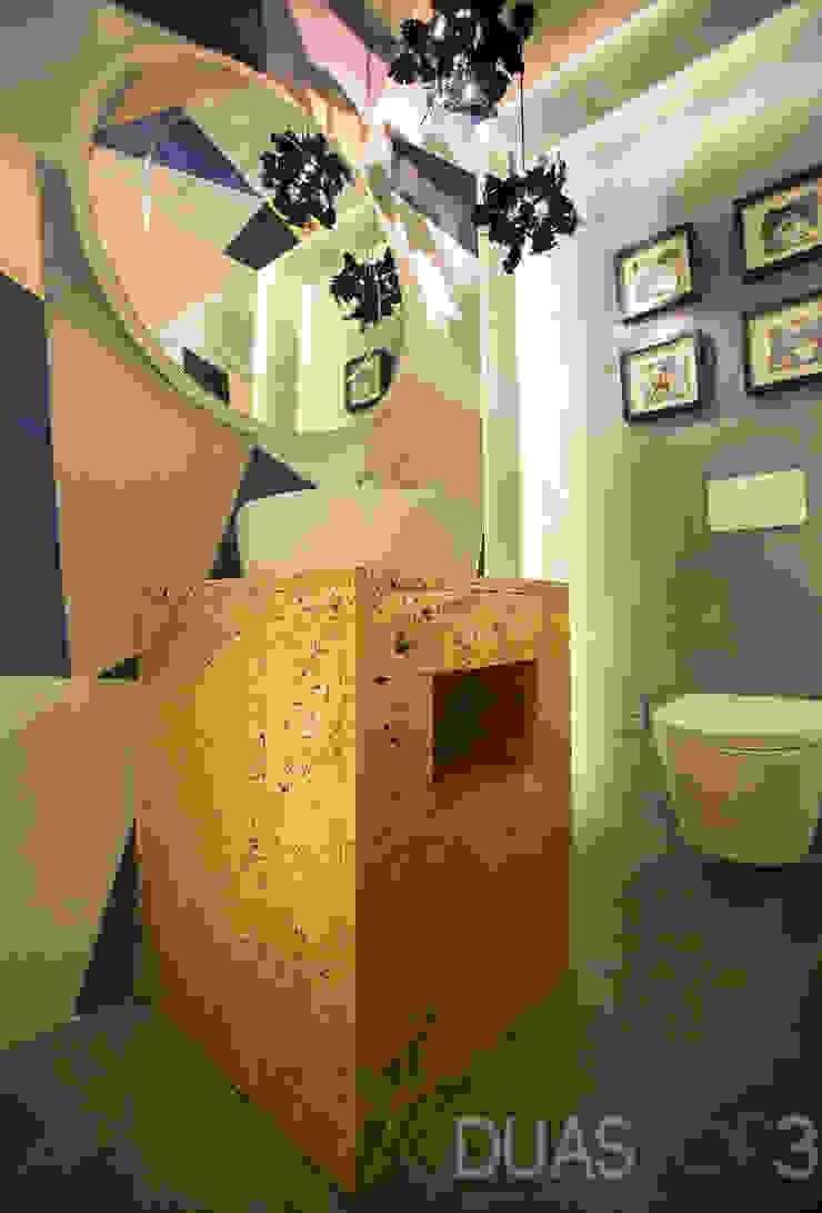 Instalação Sanitária Social Casas de banho modernas por ÀS DUAS POR TRÊS Moderno