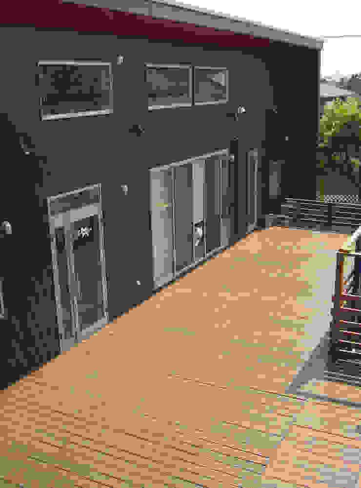 Modern Terrace by BRANCH Modern