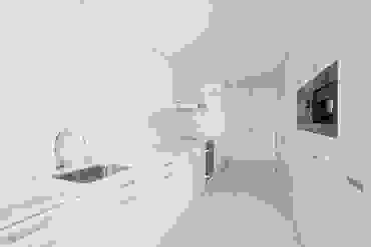 Projeto Cozinhas minimalistas por Figueiredo+Pena Minimalista