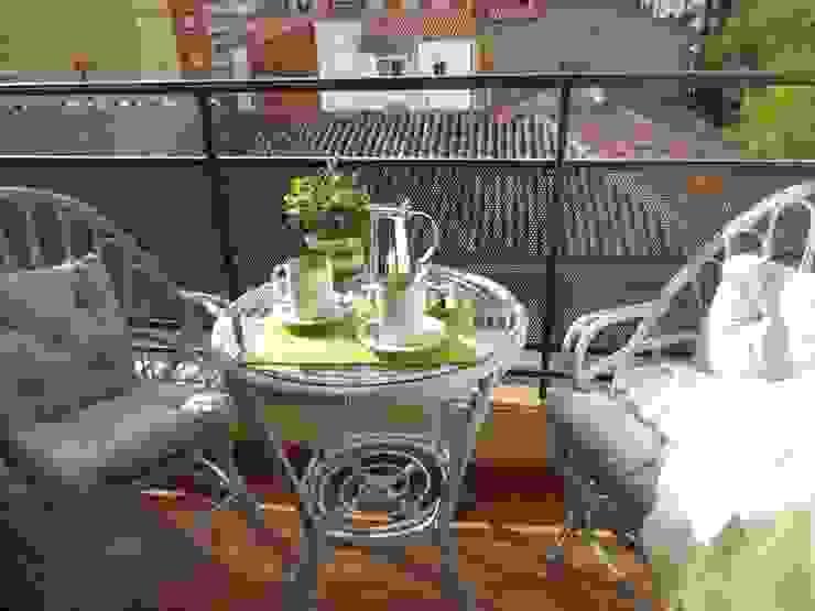 Balcones y terrazas de estilo clásico de Tu Casa Home Staging Clásico