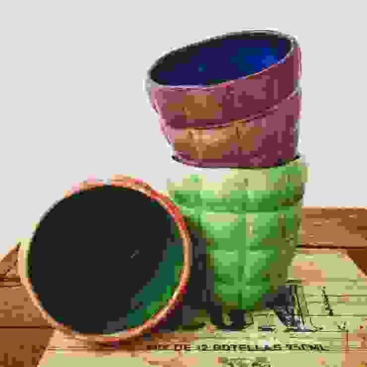 Objetos de cerámica para el hogar de Koru Moderno