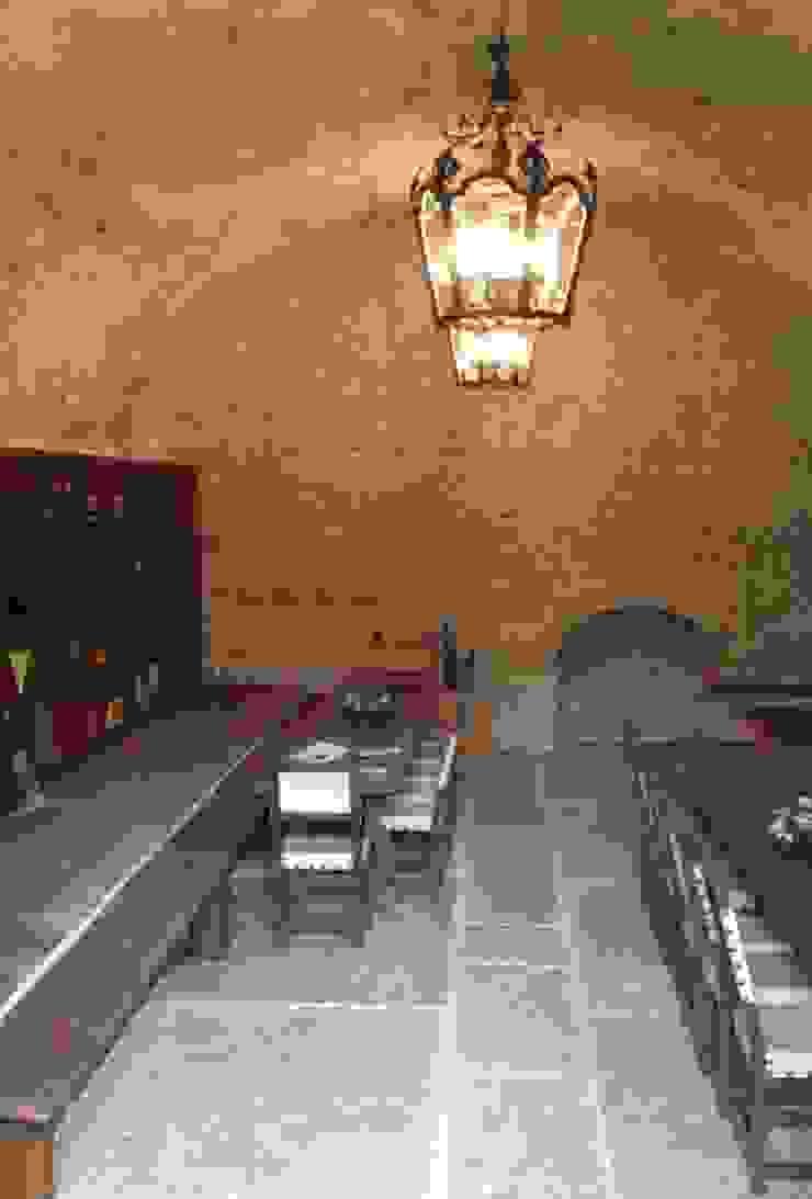 Studio Feiffer & Raimondi Cave à vin rustique