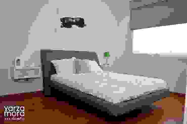 Minimalistyczna sypialnia od Xarzamora Diseño Minimalistyczny
