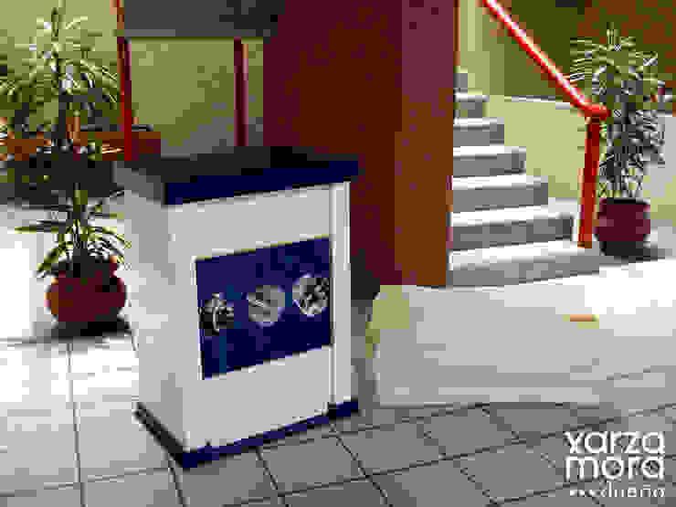 JohnCrane Centros de exposiciones de estilo minimalista de Xarzamora Diseño Minimalista